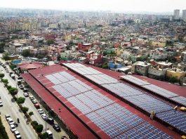 tarsus belediyesi'nin pazaryeri çatıları güneşten elektrik